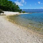 okruhliaková pláž v zátoke Melska, Krk