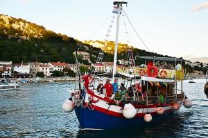 Fish Picnic na lodi - Krk, Chorvátsko