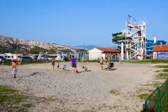 Ihrisko pri pláži Baška, Krk - Chorvátsko