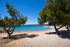 Piesočnato-okruhliakové pláže, Krk - Chorvátsko