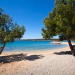 Punat - pláže, ostrov Krk, Chorvatsko